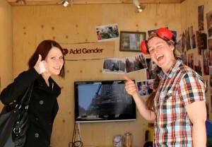 Anna och Jenny i Add Genders monter på SkogsElmia 2011